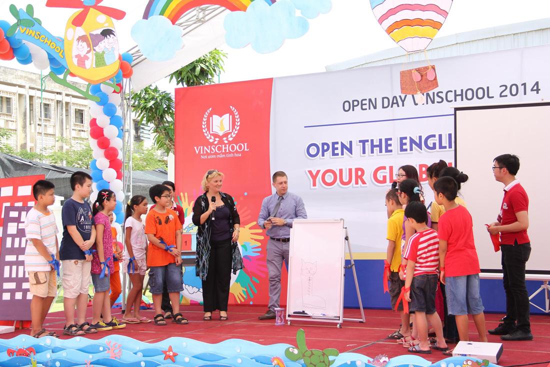 Hoạt động ngoại khóa tại trường Vinschool dưới sự dẫn dắt của giáo viên nước ngoài